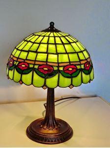 Obrázek STOLNÍ LAMPIČKA - červené kvítky